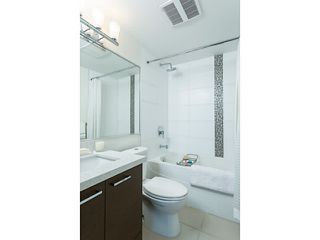 """Photo 11: 1304 258 SIXTH Street in New Westminster: Uptown NW Condo for sale in """"258"""" : MLS®# V1117443"""