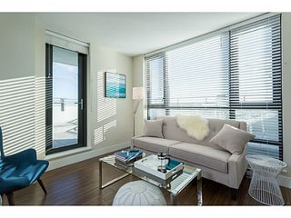 """Photo 1: 1304 258 SIXTH Street in New Westminster: Uptown NW Condo for sale in """"258"""" : MLS®# V1117443"""