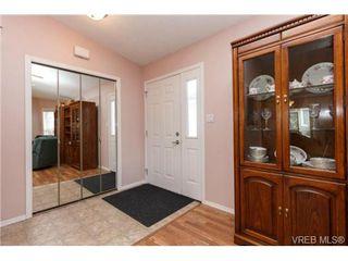 Photo 4: 41 7570 Tetayut Rd in SAANICHTON: CS Hawthorne Manufactured Home for sale (Central Saanich)  : MLS®# 707595