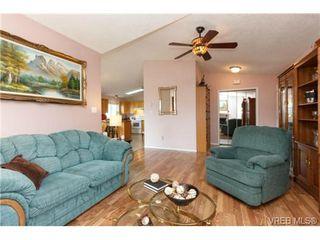 Photo 6: 41 7570 Tetayut Rd in SAANICHTON: CS Hawthorne Manufactured Home for sale (Central Saanich)  : MLS®# 707595