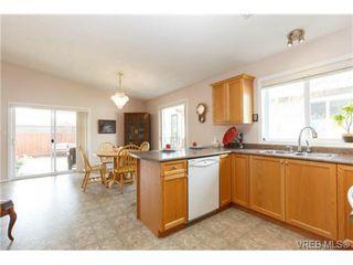Photo 10: 41 7570 Tetayut Rd in SAANICHTON: CS Hawthorne Manufactured Home for sale (Central Saanich)  : MLS®# 707595