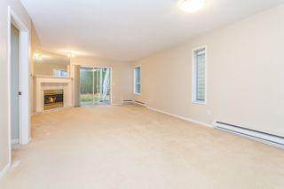 Photo 5: 105 16031 82 Avenue in Surrey: Fleetwood Tynehead Townhouse for sale : MLS®# R2015541
