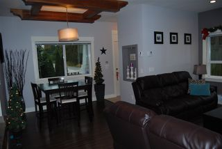 """Photo 8: 1 7298 199A Street in Langley: Willoughby Heights Townhouse for sale in """"YORK"""" : MLS®# R2020208"""