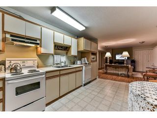 Photo 16: 15279 28 Avenue in Surrey: King George Corridor House for sale (South Surrey White Rock)  : MLS®# R2045535