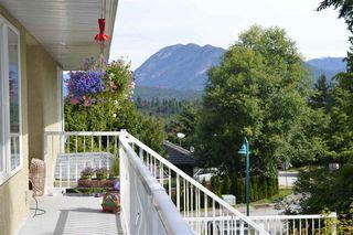 Photo 3: 5829 TRAIL Avenue in Sechelt: Sechelt District House for sale (Sunshine Coast)  : MLS®# R2081885