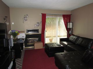 "Photo 2: 299 32550 MACLURE Road in Abbotsford: Abbotsford West Townhouse for sale in ""Clearbrook Village"" : MLS®# R2086449"
