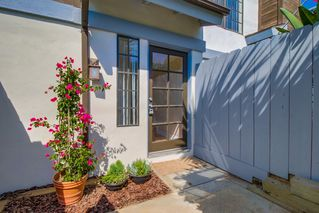 Photo 2: PACIFIC BEACH Townhome for sale : 3 bedrooms : 4782 Ingraham in San Diego
