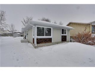 Photo 15: 19 DEER LANE Place SE in Calgary: Bungalow for sale : MLS®# C3596598