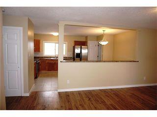 Photo 5: 1020 28 Street SE in Calgary: Albert Park/Radisson Heights House for sale : MLS®# C4101081