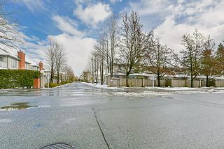 """Photo 2: 204 9942 151 Street in Surrey: Guildford Condo for sale in """"Winchester Place"""" (North Surrey)  : MLS®# R2144646"""