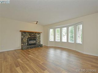Photo 3: 3279 Sedgwick Dr in VICTORIA: Co Triangle House for sale (Colwood)  : MLS®# 754950