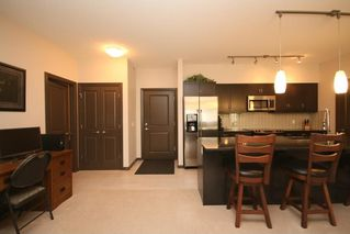 Photo 4: 411 103 VALLEY RIDGE Manor NW in Calgary: Valley Ridge Condo for sale : MLS®# C4108902