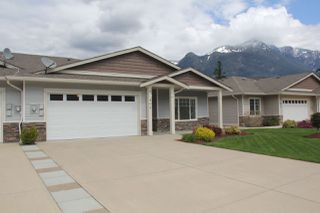 Photo 2: 2 405 STUART Street in Hope: Hope Center House 1/2 Duplex for sale : MLS®# R2161737
