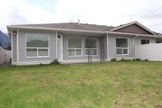 Photo 16: 2 405 STUART Street in Hope: Hope Center House 1/2 Duplex for sale : MLS®# R2161737
