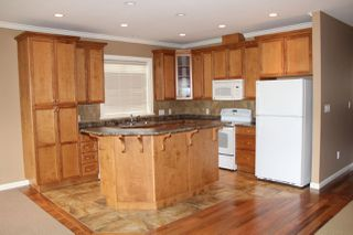 Photo 3: 2 405 STUART Street in Hope: Hope Center House 1/2 Duplex for sale : MLS®# R2161737