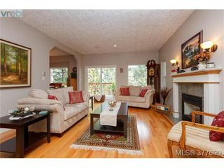 Photo 2: 1326A Ravensview Dr in VICTORIA: La Humpback House for sale (Langford)  : MLS®# 758412