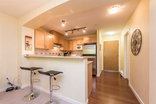 """Photo 4: 508 2959 SILVER SPRINGS BLV Boulevard in Coquitlam: Westwood Plateau Condo for sale in """"TANTALUS"""" : MLS®# R2185390"""