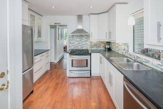 """Photo 1: 5888 MAYVIEW Circle in Burnaby: Burnaby Lake Townhouse for sale in """"One Arbourlane"""" (Burnaby South)  : MLS®# R2187271"""