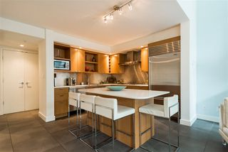 """Photo 6: 102 1168 RICHARDS Street in Vancouver: Yaletown Townhouse for sale in """"PARK LOFTS"""" (Vancouver West)  : MLS®# R2202304"""