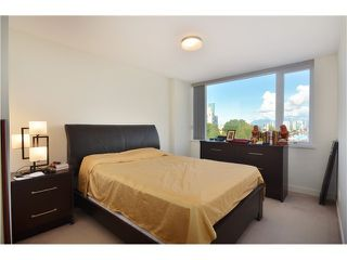 "Photo 6: # 802 7080 NO 3 RD in Richmond: Brighouse South Condo for sale in ""Centro"" : MLS®# V982440"