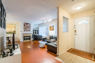 Photo 2: 3 7700 Granville Avenue in Richmond: Brighouse South Townhouse for sale : MLS®# R2234150