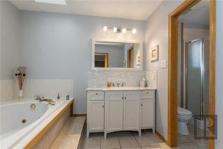 Photo 15: 10 Kinrade Place in Winnipeg: Charleswood Residential for sale (1G)  : MLS®# 1820260