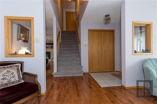 Photo 2: 10 Kinrade Place in Winnipeg: Charleswood Residential for sale (1G)  : MLS®# 1820260