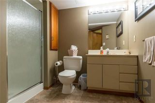 Photo 18: 10 Kinrade Place in Winnipeg: Charleswood Residential for sale (1G)  : MLS®# 1820260