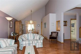 Photo 5: 10 Kinrade Place in Winnipeg: Charleswood Residential for sale (1G)  : MLS®# 1820260