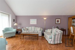 Photo 3: 10 Kinrade Place in Winnipeg: Charleswood Residential for sale (1G)  : MLS®# 1820260