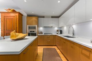 "Photo 9: 302 866 ARTHUR ERICKSON Place in West Vancouver: Park Royal Condo for sale in ""EVELYN"" : MLS®# R2298787"