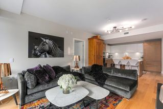 "Photo 5: 302 866 ARTHUR ERICKSON Place in West Vancouver: Park Royal Condo for sale in ""EVELYN"" : MLS®# R2298787"