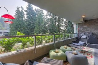 "Photo 10: 302 866 ARTHUR ERICKSON Place in West Vancouver: Park Royal Condo for sale in ""EVELYN"" : MLS®# R2298787"