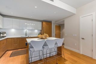 "Photo 8: 302 866 ARTHUR ERICKSON Place in West Vancouver: Park Royal Condo for sale in ""EVELYN"" : MLS®# R2298787"