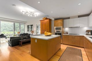 "Photo 6: 302 866 ARTHUR ERICKSON Place in West Vancouver: Park Royal Condo for sale in ""EVELYN"" : MLS®# R2298787"