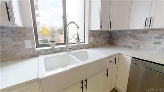 Photo 5: 301 1026 Johnson St in VICTORIA: Vi Downtown Condo Apartment for sale (Victoria)  : MLS®# 801151