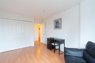 "Photo 14: 302 335 CARNARVON Street in New Westminster: Downtown NW Condo for sale in ""KINGS GARDEN"" : MLS®# R2320982"