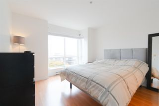 "Photo 8: 302 335 CARNARVON Street in New Westminster: Downtown NW Condo for sale in ""KINGS GARDEN"" : MLS®# R2320982"