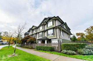 """Photo 3: 15 18211 70TH Avenue in Surrey: Cloverdale BC Townhouse for sale in """"AUGUSTA WALK"""" (Cloverdale)  : MLS®# R2322971"""