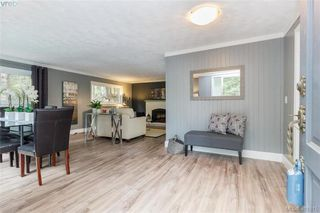 Photo 5: 673 LATORIA Road in VICTORIA: Co Latoria Single Family Detached for sale (Colwood)  : MLS®# 401815