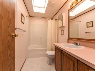 Photo 8: 37 4714 Muir Rd in COURTENAY: CV Courtenay East Manufactured Home for sale (Comox Valley)  : MLS®# 803028