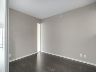 Photo 4: 502 999 SEYMOUR Street in Vancouver: Downtown VW Condo for sale (Vancouver West)  : MLS®# R2330451