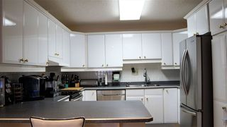 Photo 5: 18208 74 Avenue NW in Edmonton: Zone 20 House for sale : MLS®# E4140001
