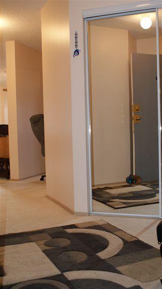 Photo 3: 318 17109 67 Avenue NW in Edmonton: Zone 20 Condo for sale : MLS®# E4142830