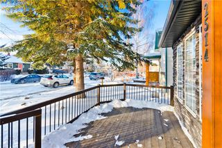 Photo 3: 2514 17A Street NW in Calgary: Capitol Hill Detached for sale : MLS®# C4226329
