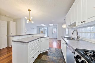 Photo 9: 2514 17A Street NW in Calgary: Capitol Hill Detached for sale : MLS®# C4226329