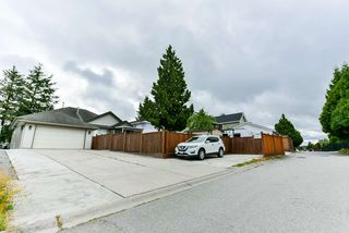Photo 20: 6673 184 Street in Surrey: Cloverdale BC House for sale (Cloverdale)  : MLS®# R2344926