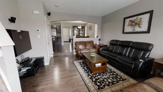 Photo 2: 1152 35 Avenue NW in Edmonton: Zone 30 House for sale : MLS®# E4149046