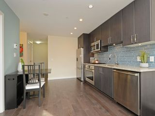 "Photo 12: 807 38 W 1ST Avenue in Vancouver: False Creek Condo for sale in ""THE ONE"" (Vancouver West)  : MLS®# R2355238"