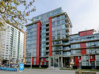 "Photo 16: 807 38 W 1ST Avenue in Vancouver: False Creek Condo for sale in ""THE ONE"" (Vancouver West)  : MLS®# R2355238"
